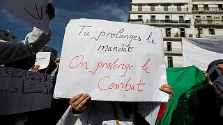 """En Algérie, le """"non"""" à un 5e mandat de Bouteflika se dit aussi en humour"""