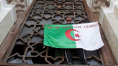 Manifestations anti-Bouteflika : 75 arrestations et 11 policiers blessés