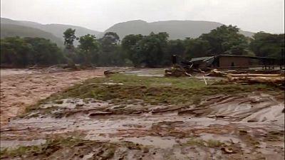 Rampaging cyclone Idai kills 89 people in eastern Zimbabwe