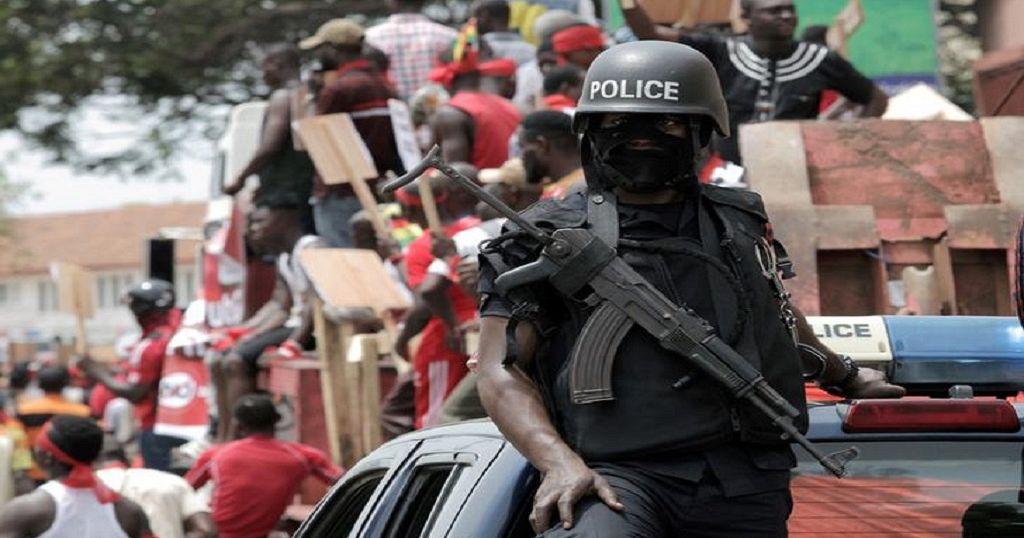 Ghana: agressions contre des journalistes, trois policiers suspendus