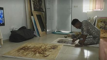 Ivorian artist infuses coffee and cocoa into artworks [No Comment]