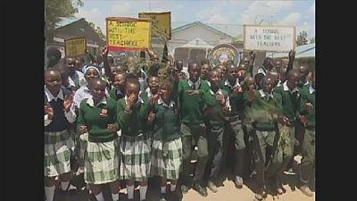 Prix mondial de l'enseignant 2019 : les élèves du Kényan Peter Tabichi célèbrent sa victoire
