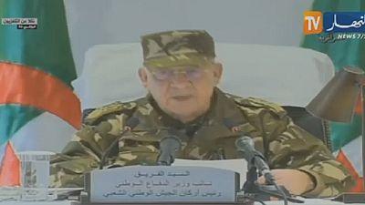Algérie : le général Ahmed Gaïd Salah s'affiche