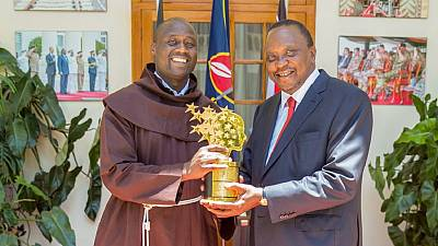 Grand welcome for acclaimed Kenyan teacher