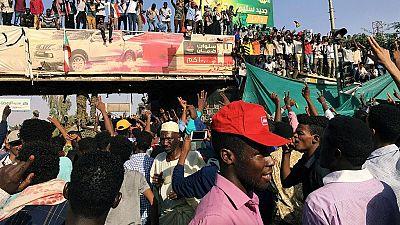 Soudan : foule en liesse dans l'attente de l'annonce de l'armée