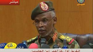 Soudan : l'armée promet un pouvoir civil