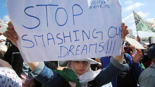 Algérie : les étudiants de retour dans la rue à Alger