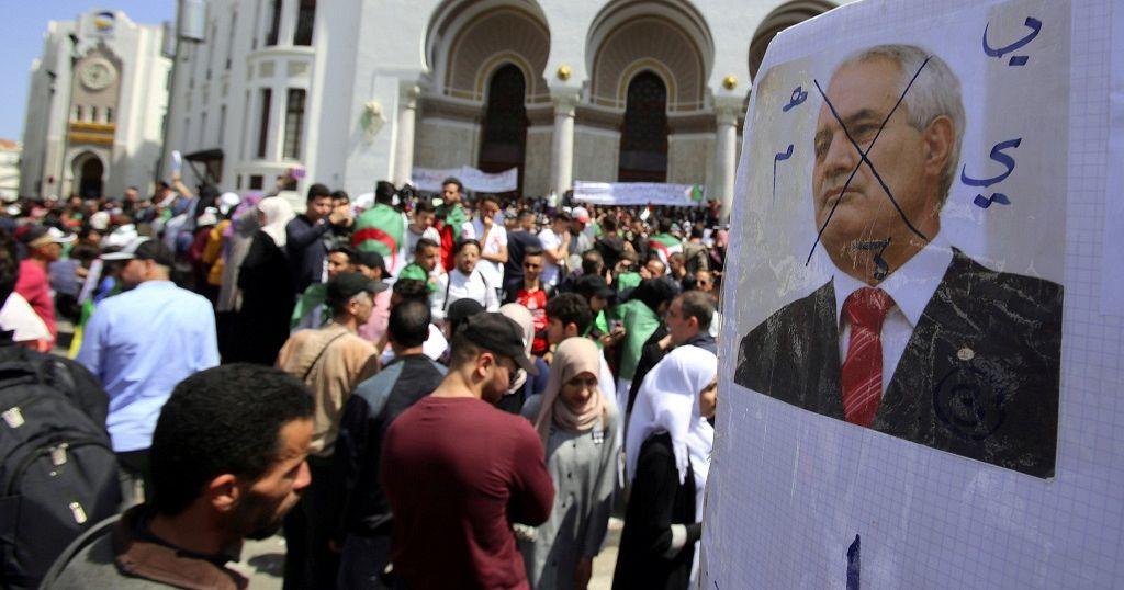 Manifestations en Algérie : 9e vendredi consécutif de pression sur le régime