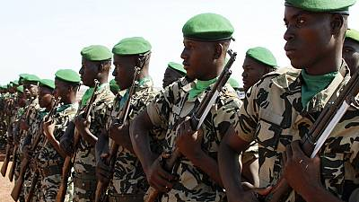 Suspected jihadists kill 10 Malian soldiers