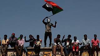 Sudan: hand over power to the people or we protest
