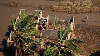 Cyclone au Mozambique : les pluies se poursuivent, arrivée des premiers secours