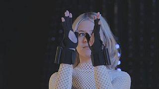 UK: Hi-tech gloves changing the electronic music scene