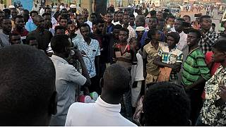 Sudanese Sufi movement march to join sit-in at the defense ministry [No Comment]
