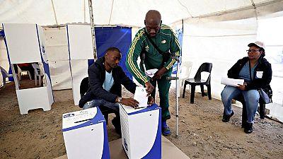 L'ANC en tête selon des résultats partiels