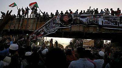 Soudan : les militaires promettent un pouvoir civil
