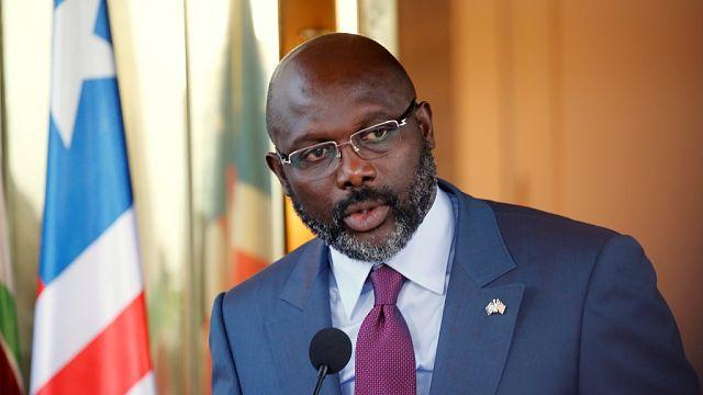 Au Liberia, le président Weah mis sous pression par son opposition