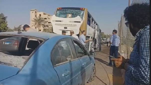 Egypt security forces react to bus bombing, kill 12 militants