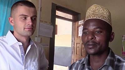 """Ouganda : arrestations dans l'affaire des """"soins miracles"""" à l'eau de javel"""
