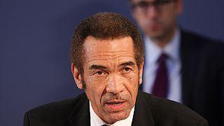 Botswana:l'ex-président déclare la guerre à son successeur