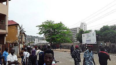 Sierra Leone : heurts à Freetown après une décision de justice favorable au président