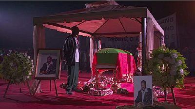 Funérailles publiques pour le chef rebelle Jonas Savimbi, 17 ans après sa mort