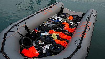 Une femme et un enfant meurent dans un naufrage au large de la Libye
