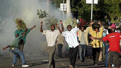 Malawi : l'ambassadrice des Etats-Unis prise sous les gaz lacrymogènes de la police