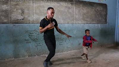 Video: Ghana tutor teaches numbers and hot steps