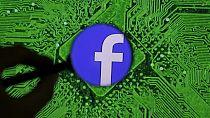 Guerre commerciale : Facebook coupe aussi les ponts avec Huawei