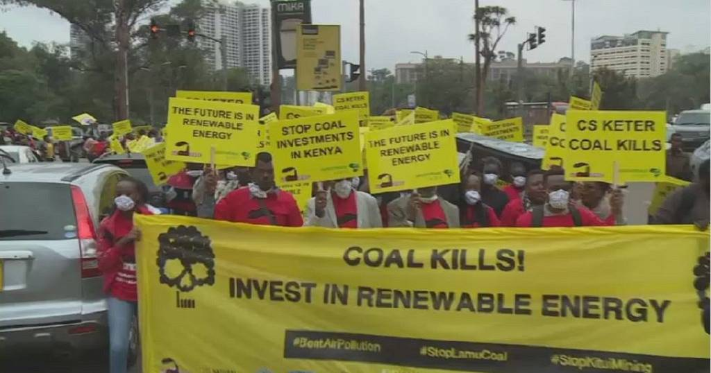 Kenyans protest building of coal-fired power plant | Africanews