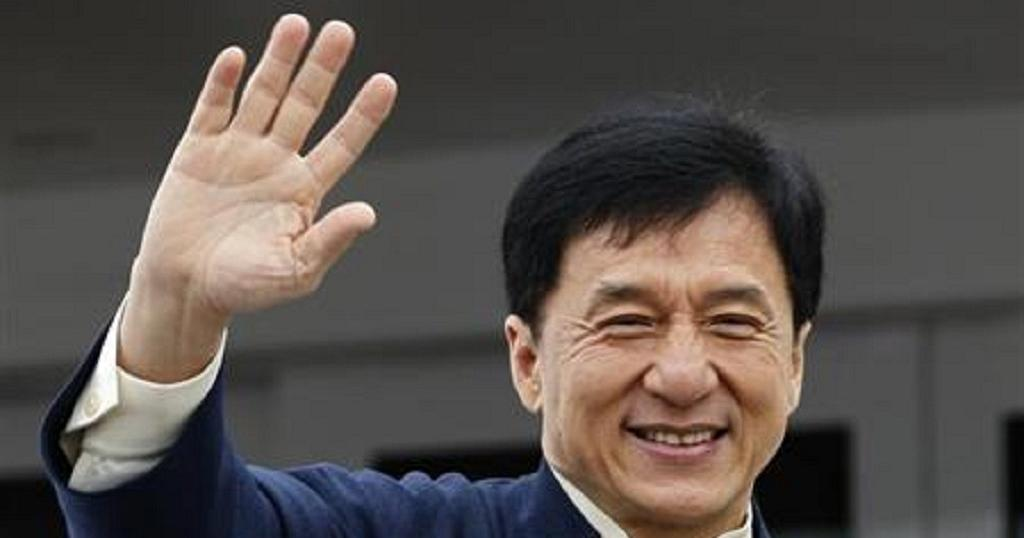 Jackie Chan promotes solo album in Taiwan