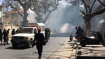 Hydrocarbures au Sénégal : la police fait usage de gaz lacrymogène lors d'une manifestation