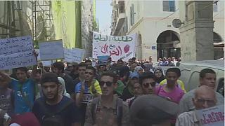 Algeria students protest for a 17th time