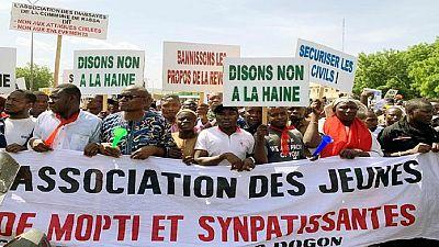 """Mali : manifestation à Bamako pour dire """"stop"""" aux massacres"""