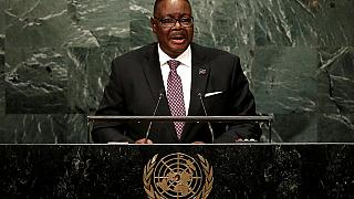 Video: Malawi president heckled in parliament