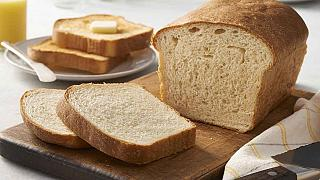 Armed robbers steal 500 loaves of bread in Zimbabwe