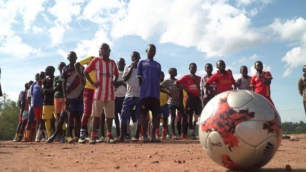 Refugee footballers in Uganda hone skills with top