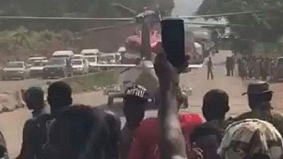 Nigeria : un automobiliste s'embarque dans un hélicoptère pour contourner l'embouteillage