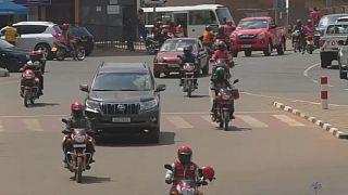 Des femmes aux commandes des motos taxis au Rwanda