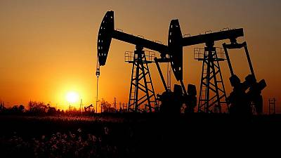 Russia, Saudi Arabia agree to extend oil production cuts