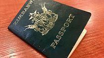 La pénurie de passeports, l'autre revers de la crise au Zimbabwe