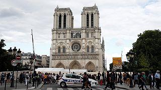 Incendie Notre Dame de Paris: les dons des milliardaires français se font attendre