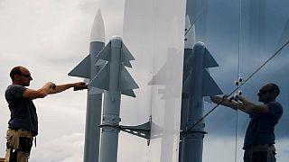 """Missiles français en Libye : ils n'étaient """"pas entre des mains libyennes"""", assure Paris"""