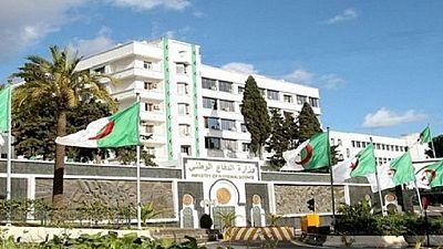 Algérie : 5 personnes soupçonnées de planifier des attentats arrêtées (Défense)
