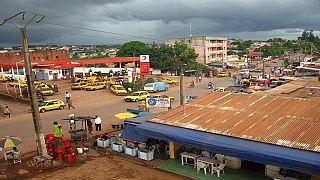 """Mutinerie au Cameroun : des opposants politiques """"enlevés"""" de la prison (avocats)"""