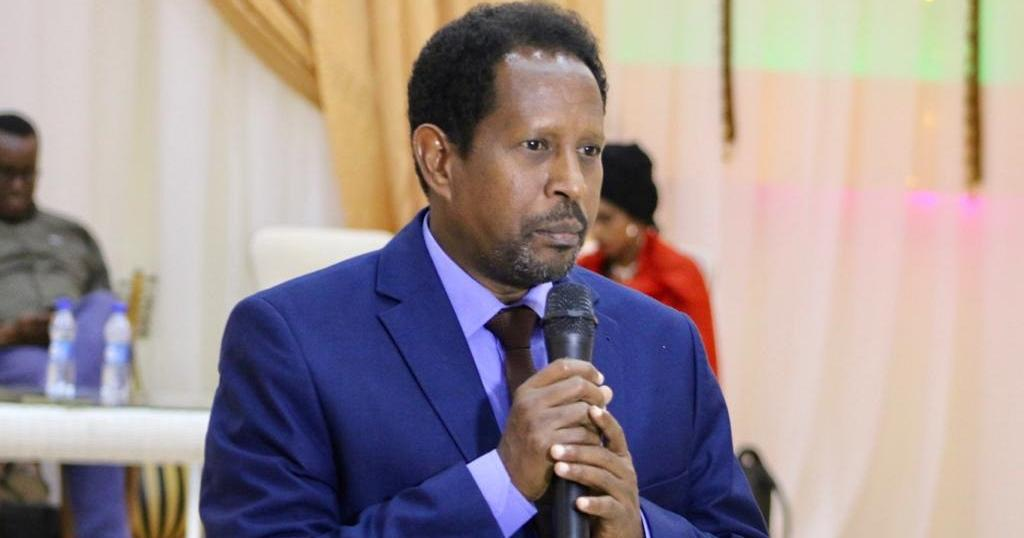 Mayor of Somali capital severely injured after 'suicide attack' on offices