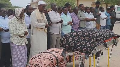 Somalia buries victims of Mogadishu terrorist attack
