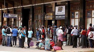 Au Zimbabwe, le miracle du départ de Mugabe toujours attendu