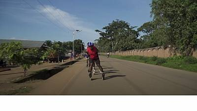 RDC : des adolescents font du patinage pour oublier la crise Ebola