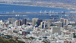 Afrique du Sud : une femme oblige sa rivale présumée à manger des excréments